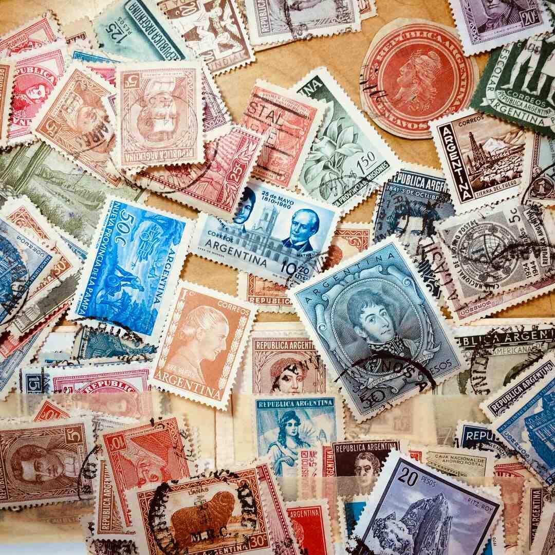 Où mettre un timbre sur une enveloppe ?
